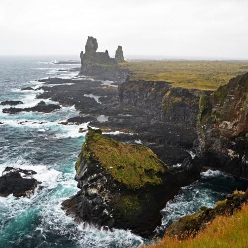 dramatic-coastlines-reykjanes-peninsula-e1535539362487